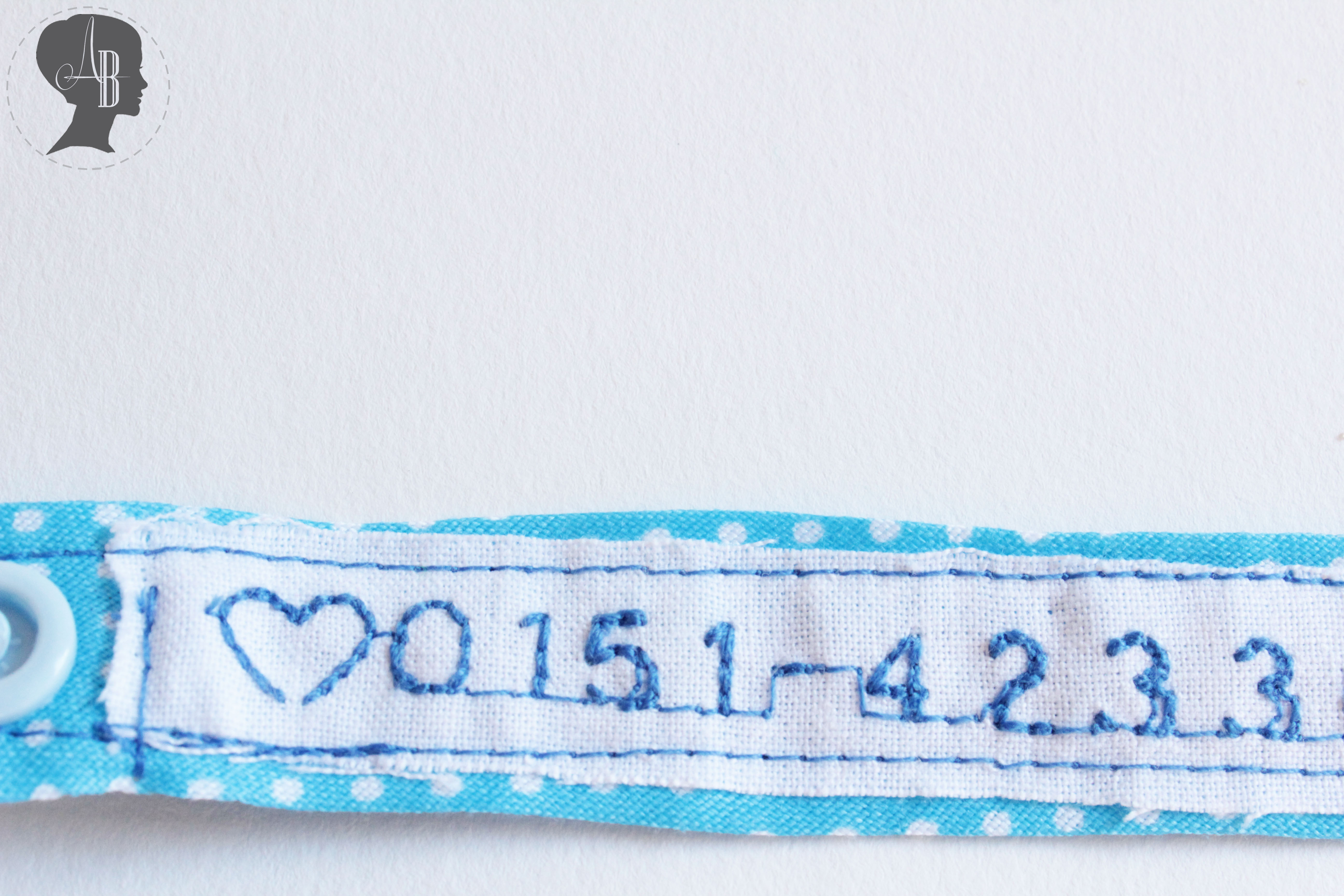 SOS Armband