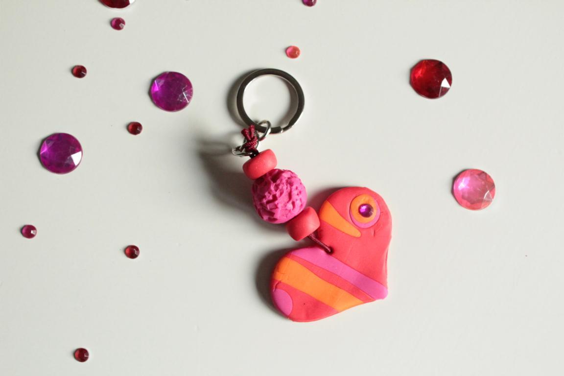 ... Ein Kleines Geschenk Zu Muttertag Basteln. Diese Tollen  Schlüsselanhänger Aus Fimo Sind Einfach Zu Machen Und Auch Kinder Schaffen  Tolle Ergebnisse.